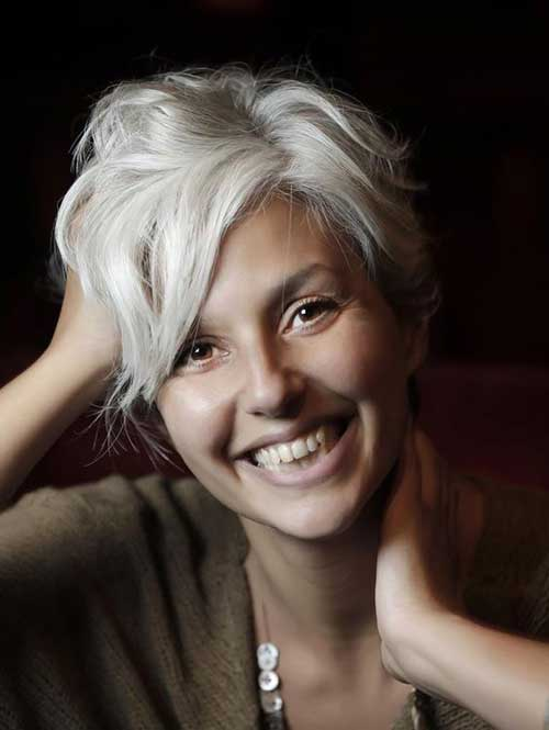 Very Stylish Short Haircuts For Women Over 50 Short