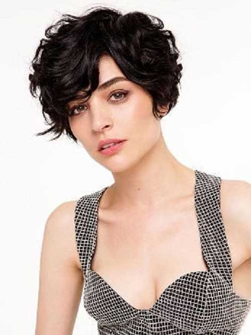 15+ Short Curly Hair For Round Faces