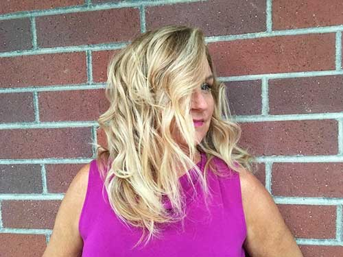 Short Curly Hairstyle for Women - 11