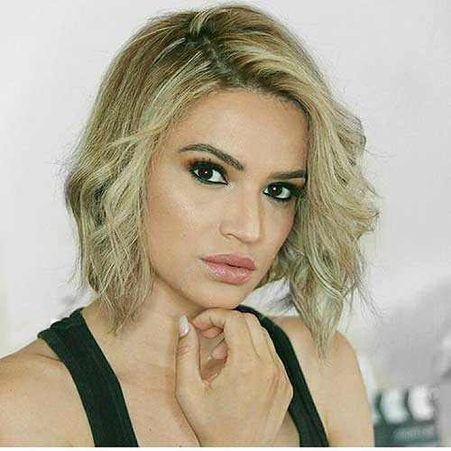 Popular Short Blonde Haircuts - 14