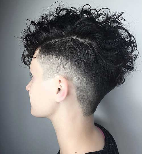 Popular Short Curly Hairstyles - 25