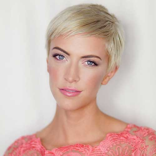 Short Blonde Hairstyle - 30