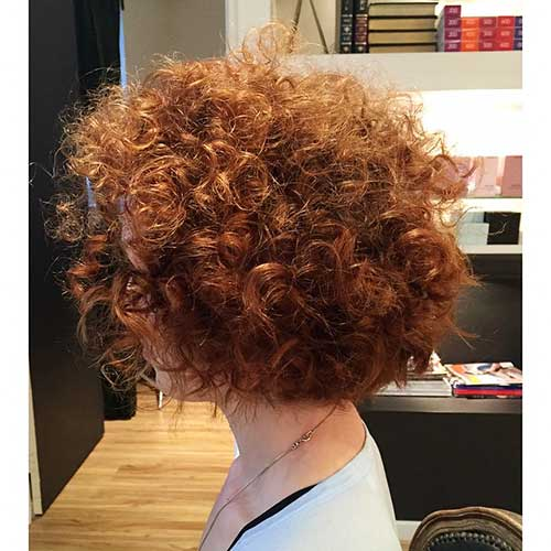 Alluring Short Curly Hair Ideas For Summertime Short