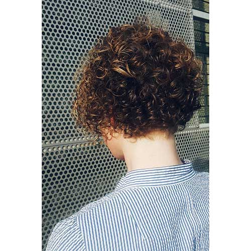 30 Cool Short Naturally Curly Hairstyles