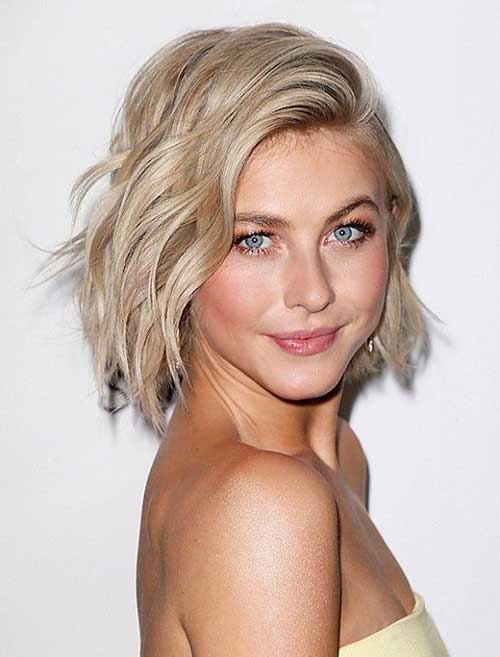 Celebrities With Short Blonde Hair-8