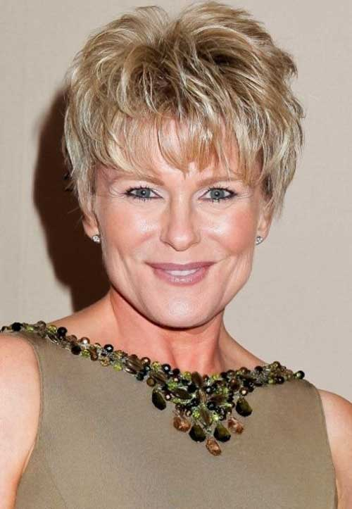 Short Hair Styles for Women Over 60-10