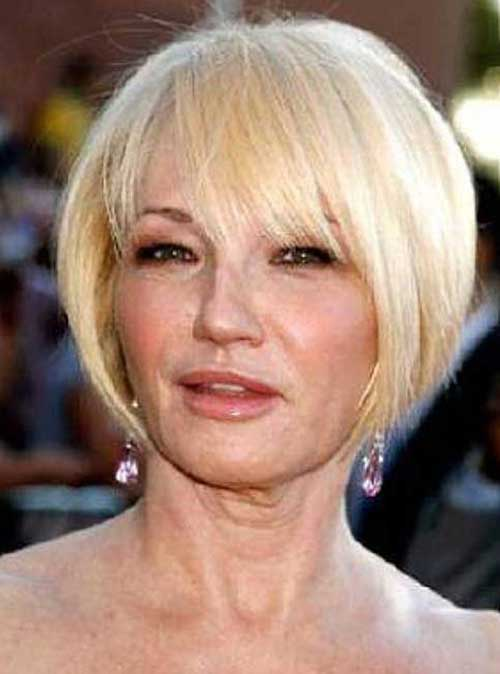Short Hair Styles for Women Over 60-12