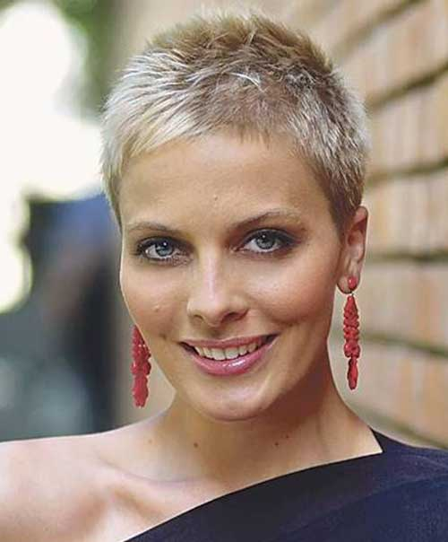 Short Spiky Pixie Cuts-13