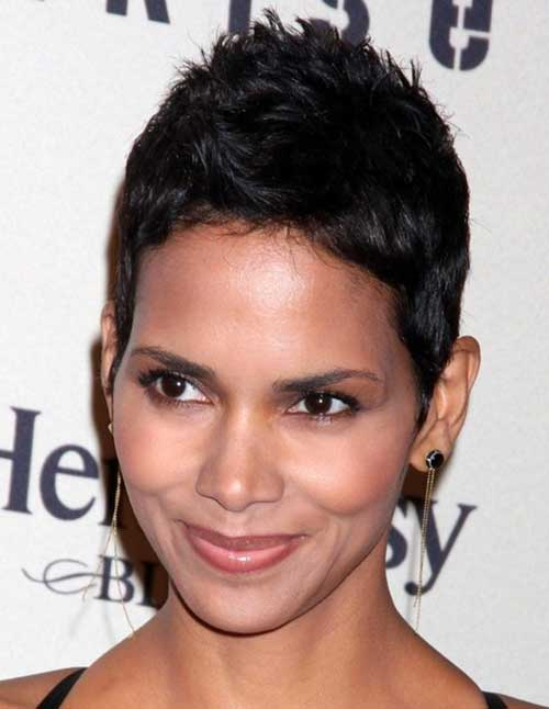 Halle Berry Pixie Cuts-14