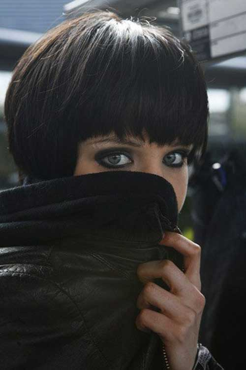 Short Dark Haircuts-14