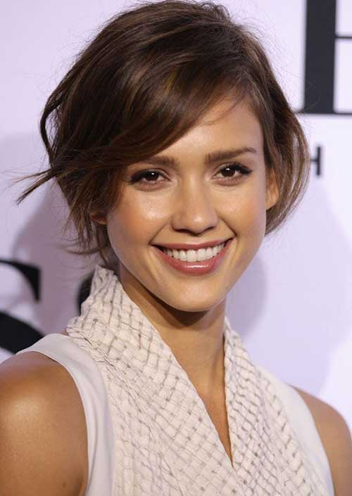 Short Hair Cuts For Woman-15