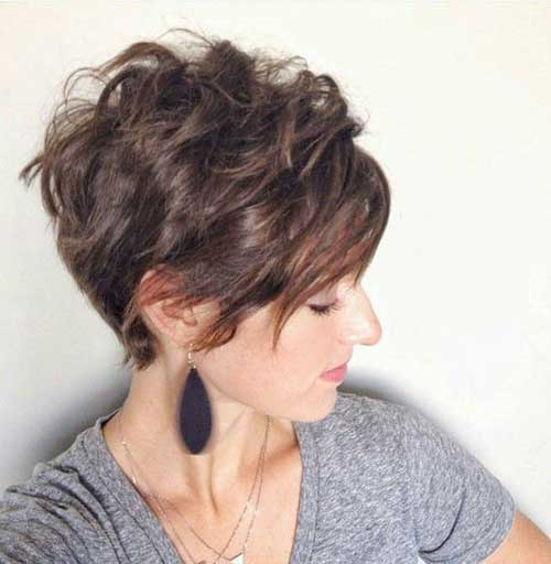 Cute Short Curly Hairstyles-16