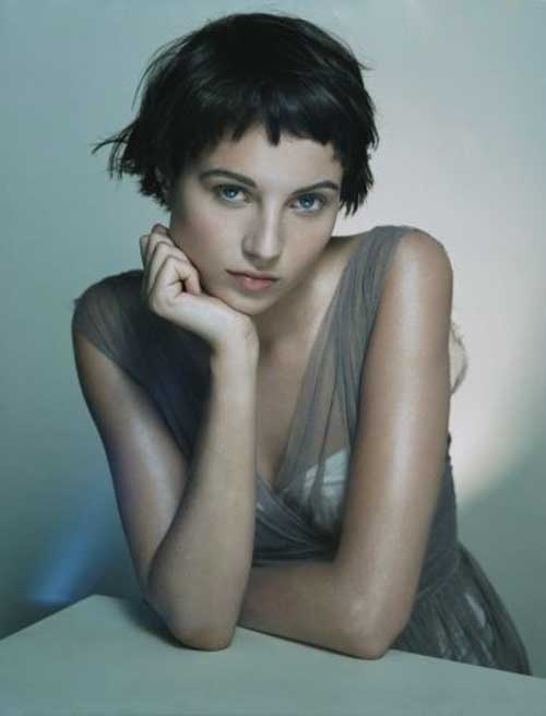 Cute Short Hairstyles For Girls-16