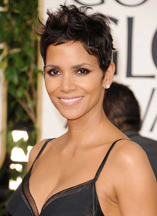 Halle Berry Pixie Cuts-16