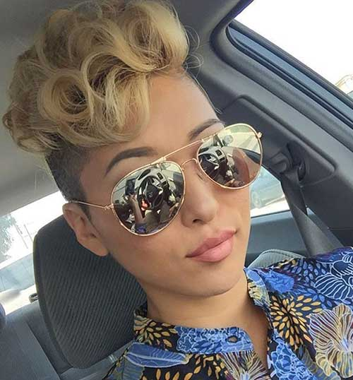 Cute Short Haircuts For Curly Hair-17