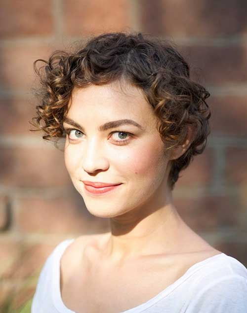 Cute Short Curly Hairstyles-17
