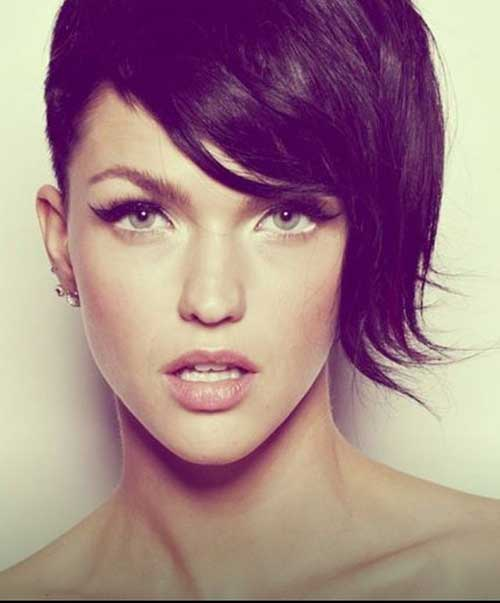 Short Hair Cuts For Woman-22