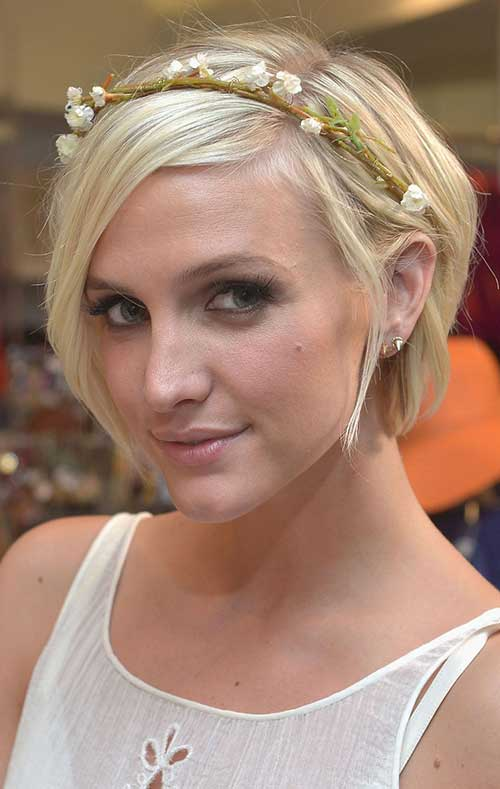 Cute Short Hairstyles For Girls-24