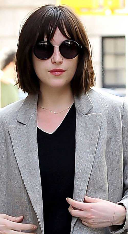Short Haircuts with Bangs-26
