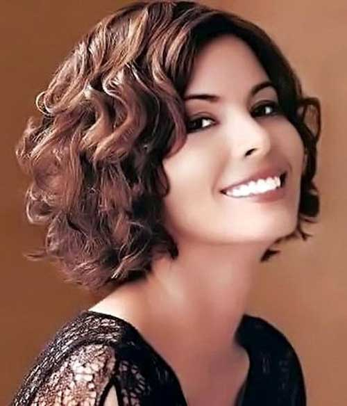 Cute Short Haircuts For Curly Hair-7