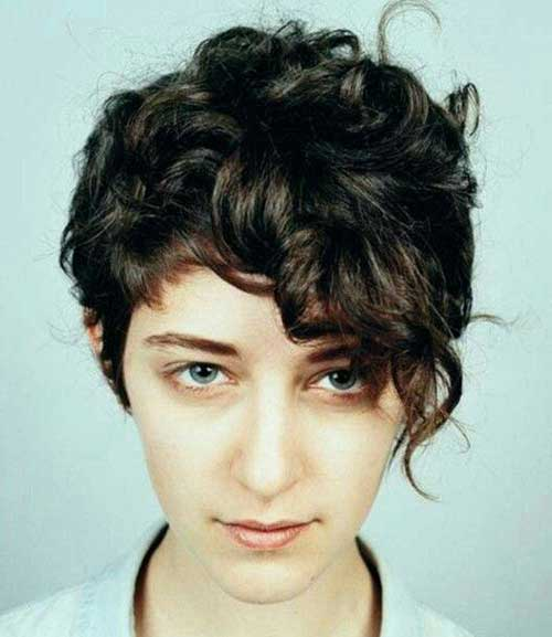 Cute Short Haircuts For Curly Hair-8