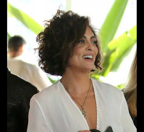 Curly Short Hairstyles for Ladies-13