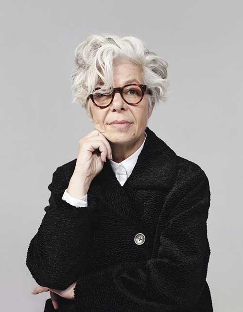 Short Hairstyles for Older Women-11