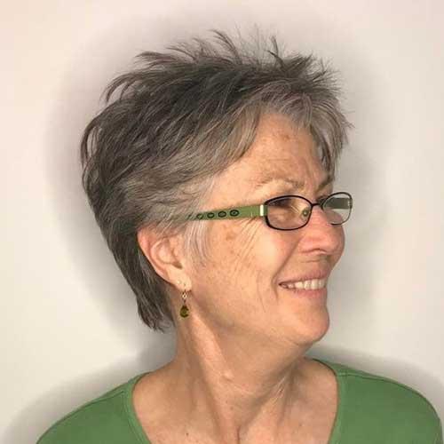 Short Hairstyles for Older Women-6