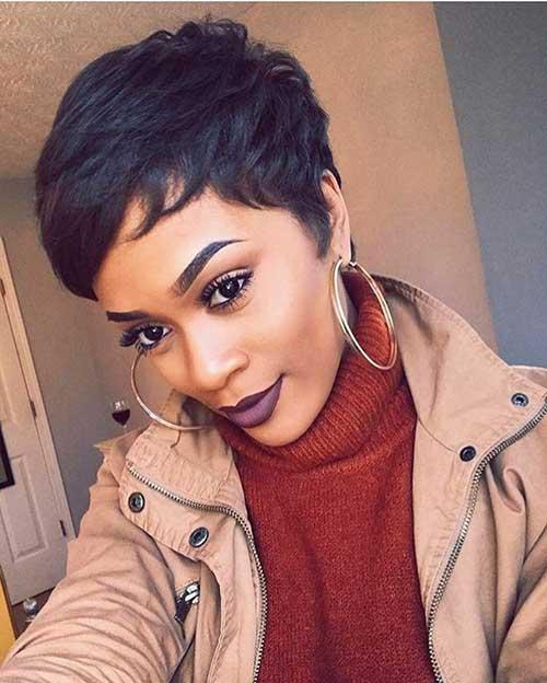 Kurze Frisuren für Schwarze Frauen-15