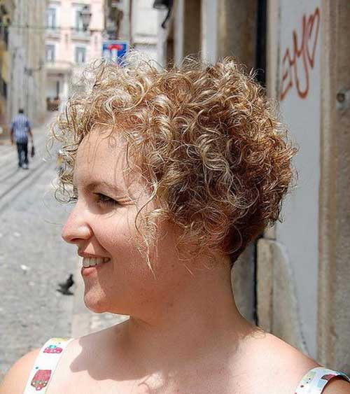 Cute And Pretty Curly Short Hairstyles