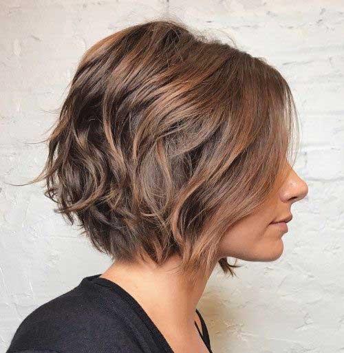 Kratka slojevita bob frizura