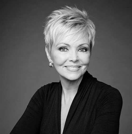 Best Short Haircuts For Older Women With 20 Pics