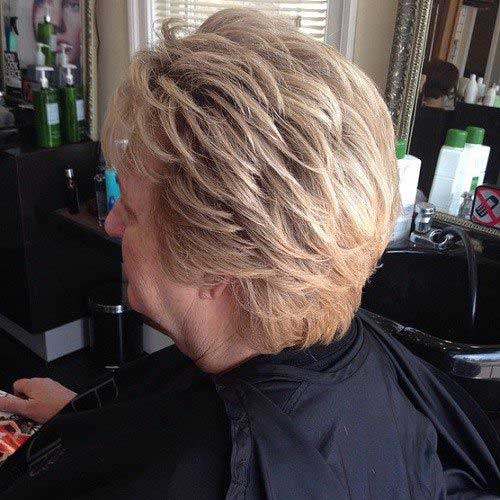 Short Haircuts for Women Over 50-8