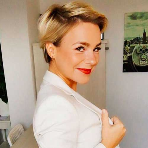 Short Blonde Hair 2018-10