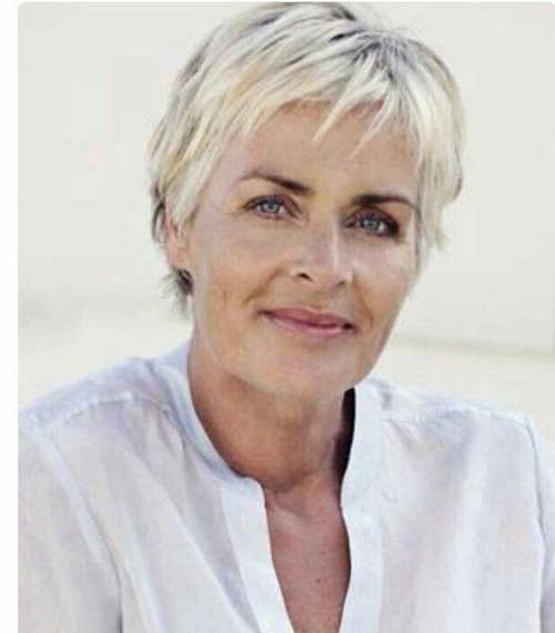 Short Haircuts for Older Women-16