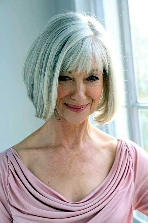 Short Haircuts for Older Women-32