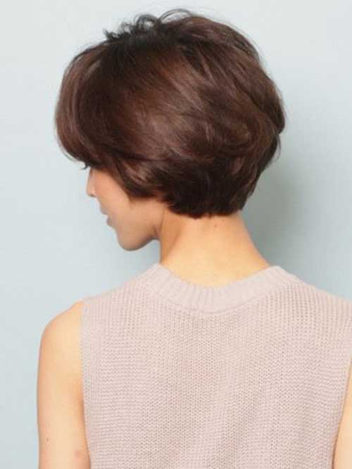 Short Haircuts for Older Women-33