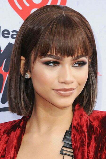 28 Chic Short Haircuts With Bangs