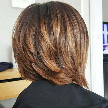Caramel Layered Highlights Bob