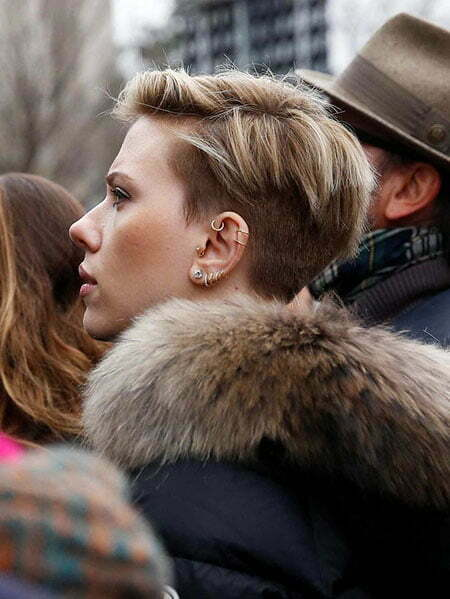 9-Scarlett-Johansson-Women's-March-477