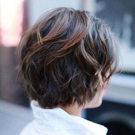 Short Haircut for Wavy Thick Hair, Brown Balayage Short Shag