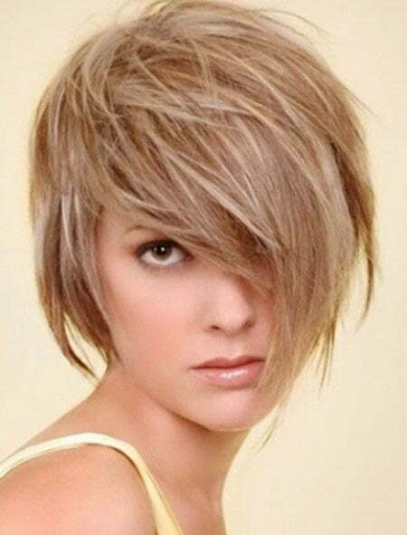 Short Hair Medium Layered