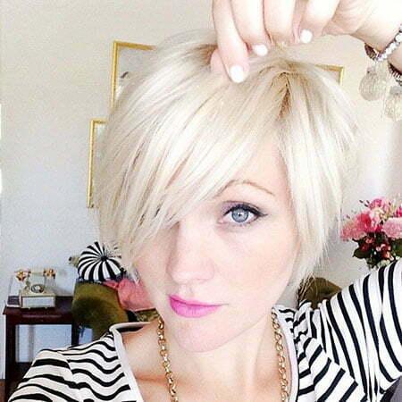 30 Short Platinum Blonde Hairstyles
