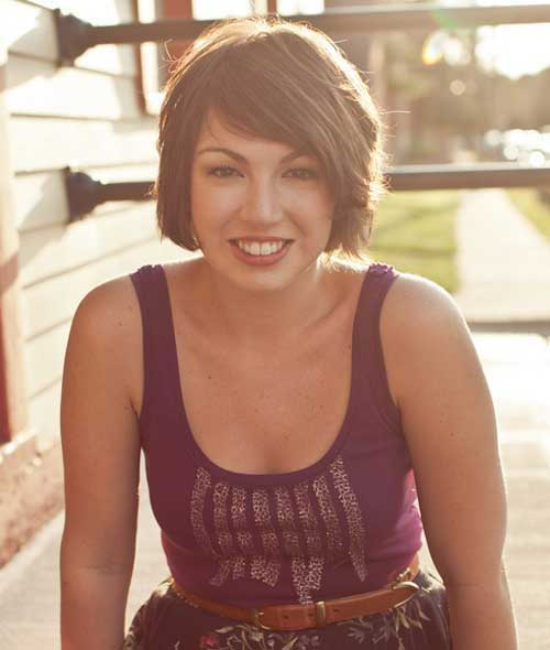Layered Short Haircuts for Round Faces-7
