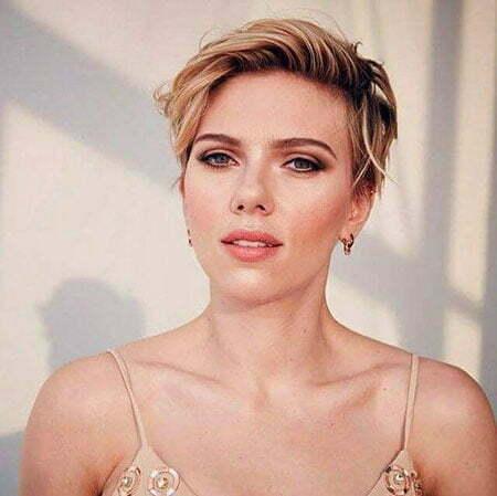 Pixie Short Scarlett Johansson