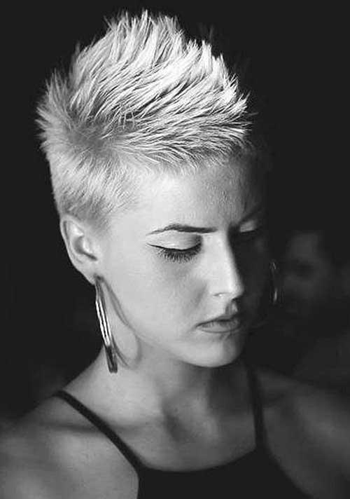 Kurze Haarschnitte für Frauen-17 &quot;title =&quot; 17. Kurze Haarschnitte &quot;/&gt;</a></p><h2>18. Verschiedene Wege für kurzes Haar</h2><p> <a href=