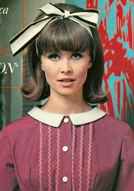 3-1960's-Hairtyles-and-Makeup-271