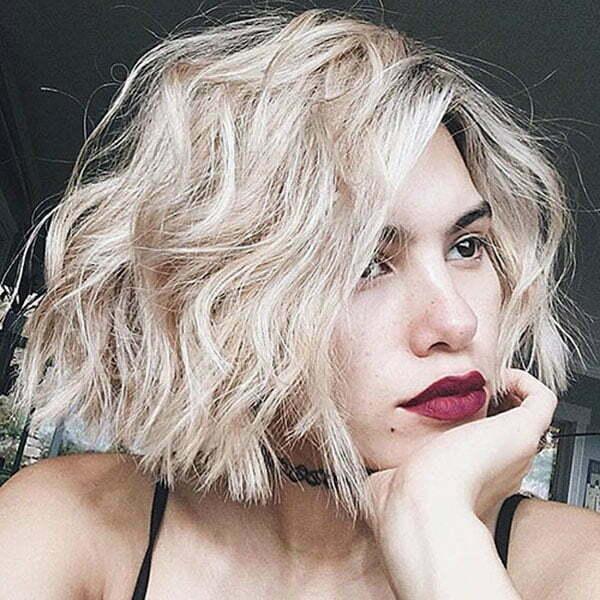 Messy Wavy Short Hair