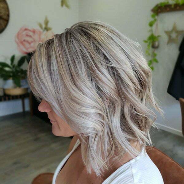 Short Blonde Balayage Wavy Hair