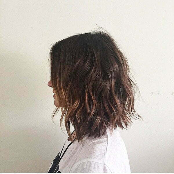 Short Wavy Brunette Hairstyles